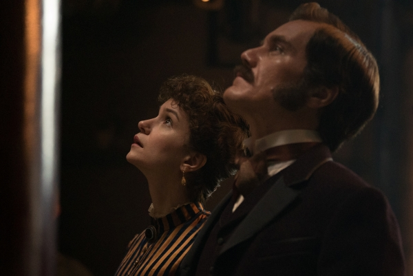 Katherine Waterston and Michael Shannon as Mr. and Mrs. Westinghouse.
